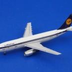アエロクラシックス/AC81001 1/400 A300B2 ルフトハンザ D-AIAA