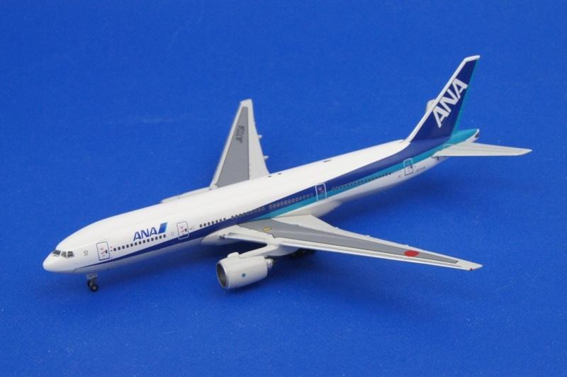 フェニックス 1/400 B777-281 ANA/NEW LIVERY JA703A