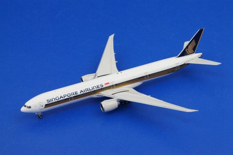フェニックス 1/400 B777-300/ER シンガポール 9V-SWD